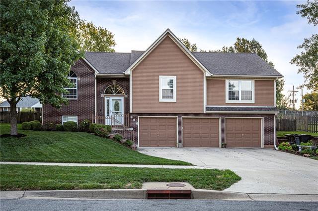 919 S 131st Street Property Photo
