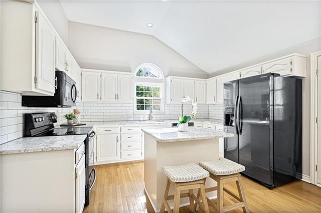15528 Foster Street Property Photo