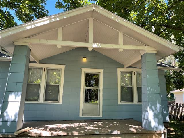 300 1st Street Property Photo