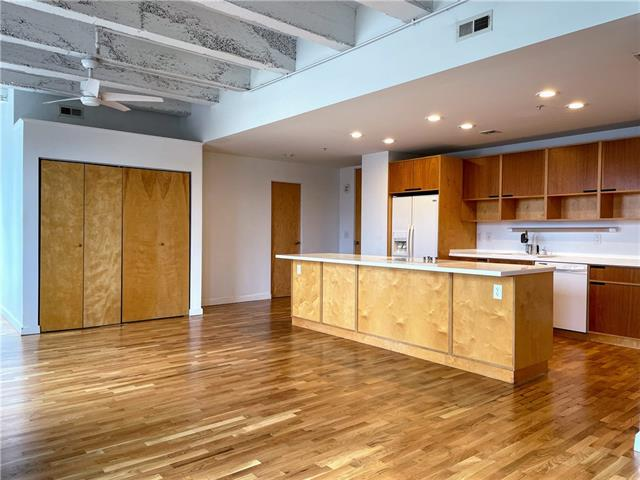 21 W 10th Street Property Photo
