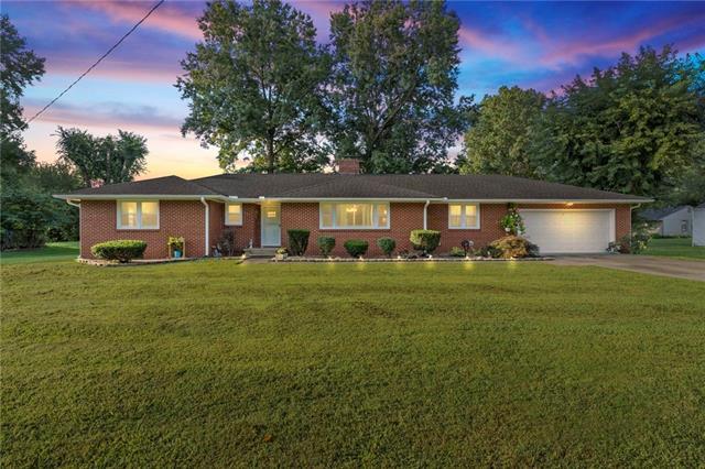 425 E 8th Street Property Photo