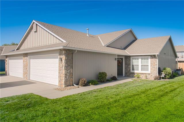 Bluehawk Townhomes Real Estate Listings Main Image