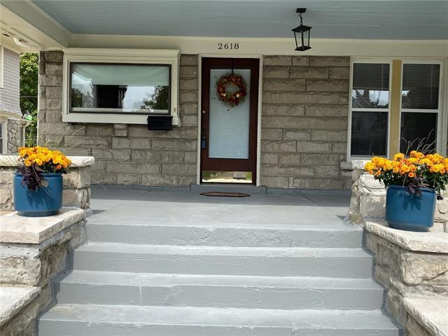 2618 Victor Street Property Photo