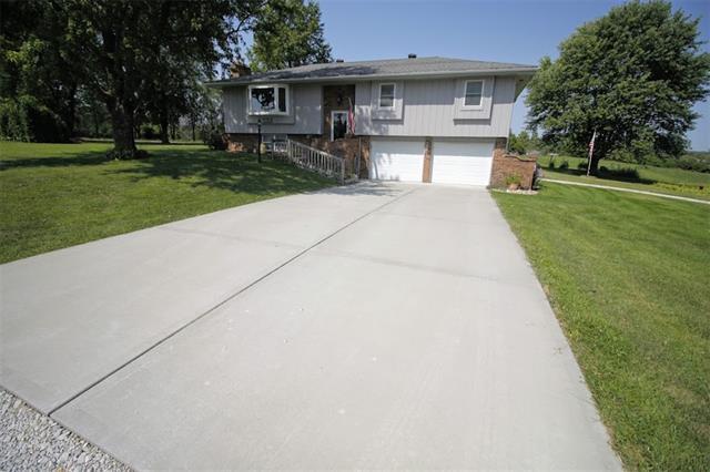 33904 N Reynolds Road Property Photo