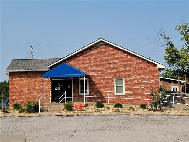 303 N 169 Highway Property Photo