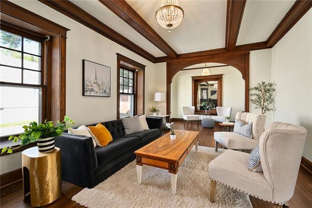 1720 E 75th Terrace Property Photo
