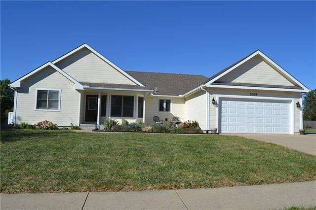 2333 Se Oakwood Drive Property Photo