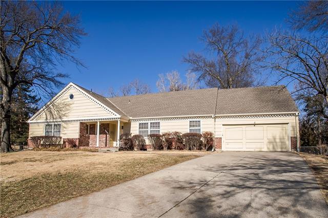 10227 Oakridge Circle Property Photo