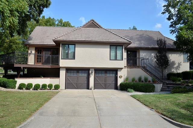 2 E The Woodlands Drive Property Photo