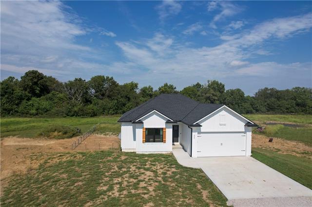 660 Ne County Road Property Photo