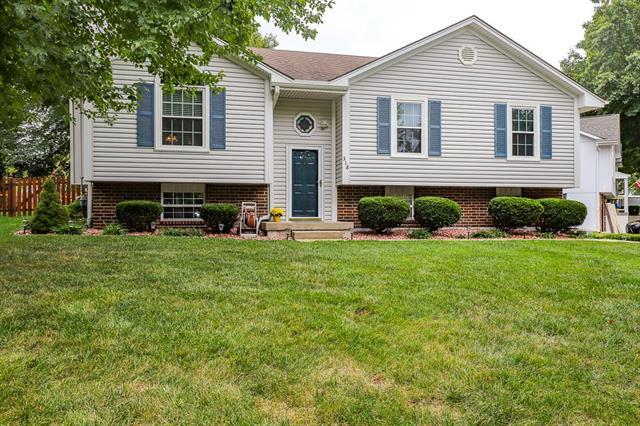 318 Ne Brookwood Drive Property Photo