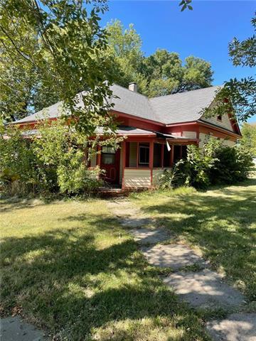 301 W 1st Street Property Photo