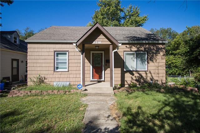8216 Main Street Property Photo