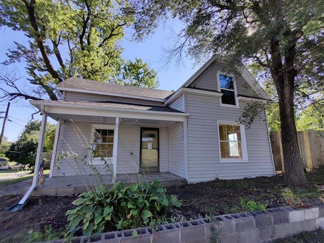 601 W Main Street Property Photo