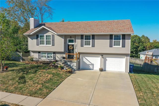 902 E 15th Street Property Photo