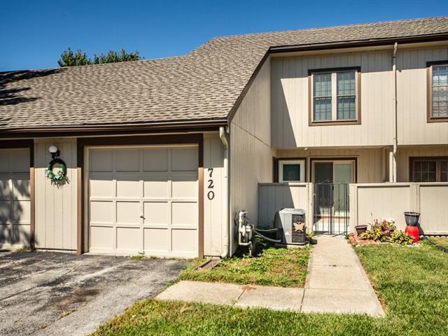 720 E 121st Street Property Photo