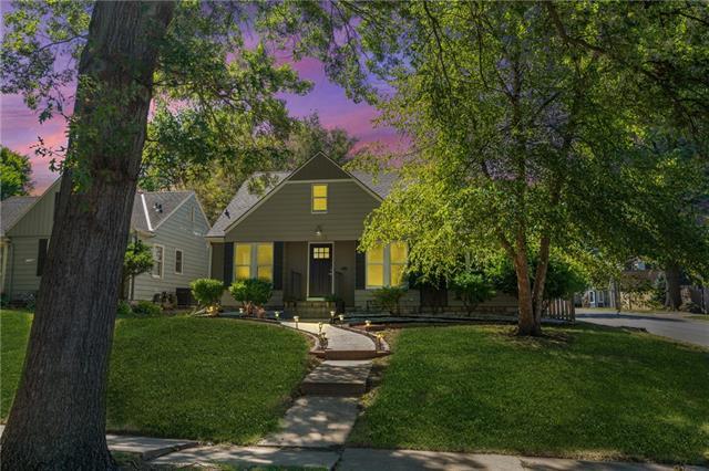 1015 W 77 Street Property Photo