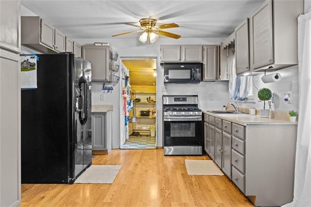 6811 N Brookside Road Property Photo