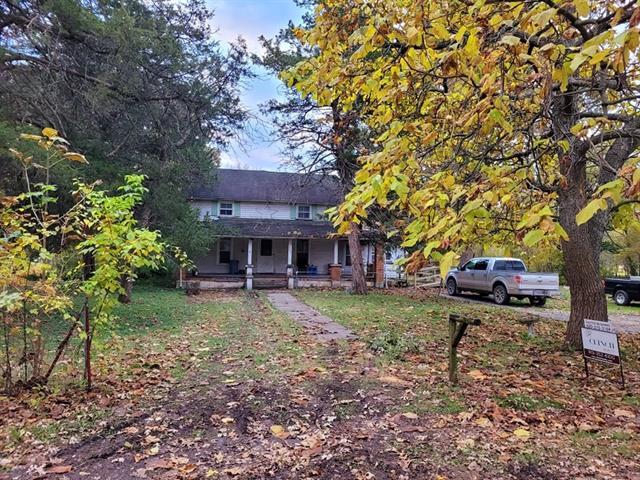 324 W Walnut Street Property Photo