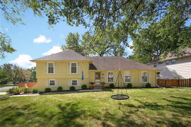 6301 W 101st Street Property Photo