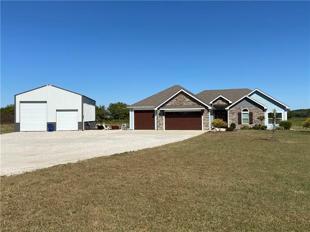 1606 N 1037 Road Property Photo