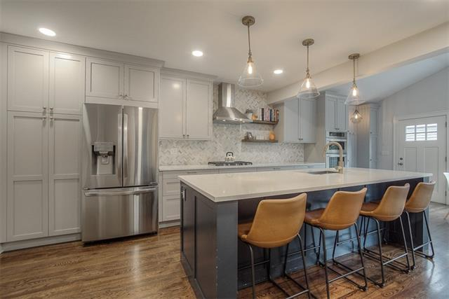 222 W 67th Street Property Photo