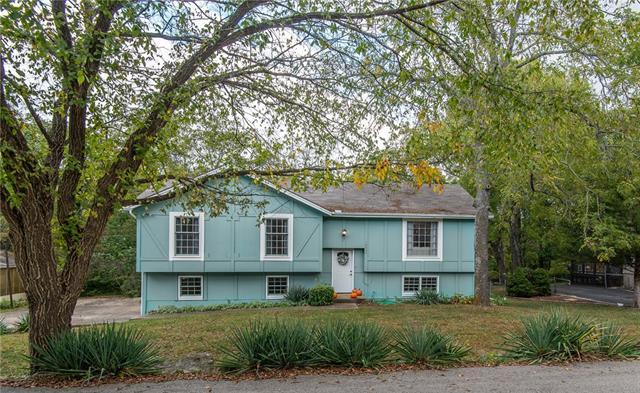 Black Bob Estate Real Estate Listings Main Image
