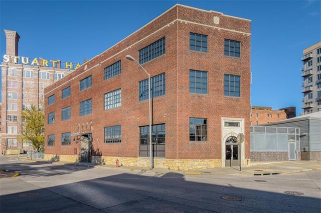 2120 Wyandotte Street Property Photo