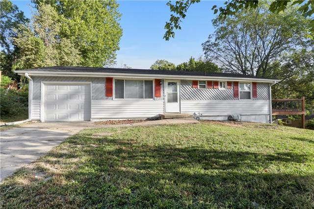 4924 Ne 38th Street Property Photo