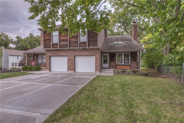 8812 W 77th Street Property Photo