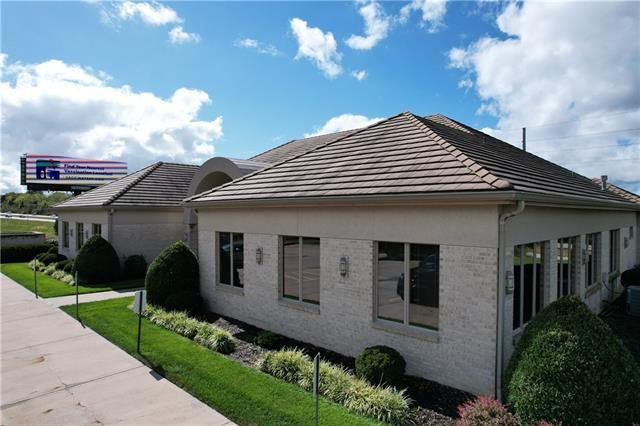 4243 Ne Lakewood Way Property Photo