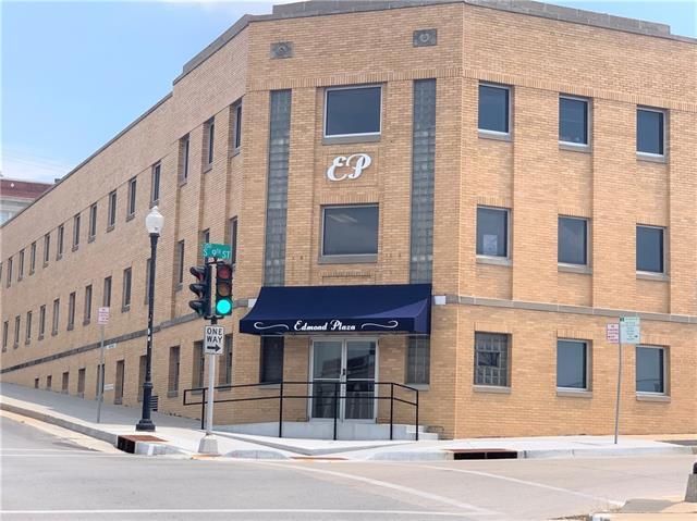 902 Edmond Street Property Photo 1