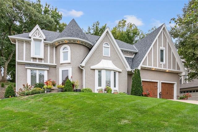 609 White Oak Lane Property Photo