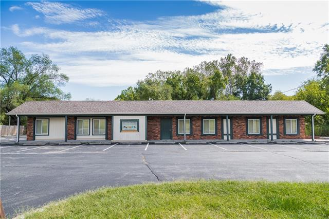 915 E Highway H Highway Property Photo 1