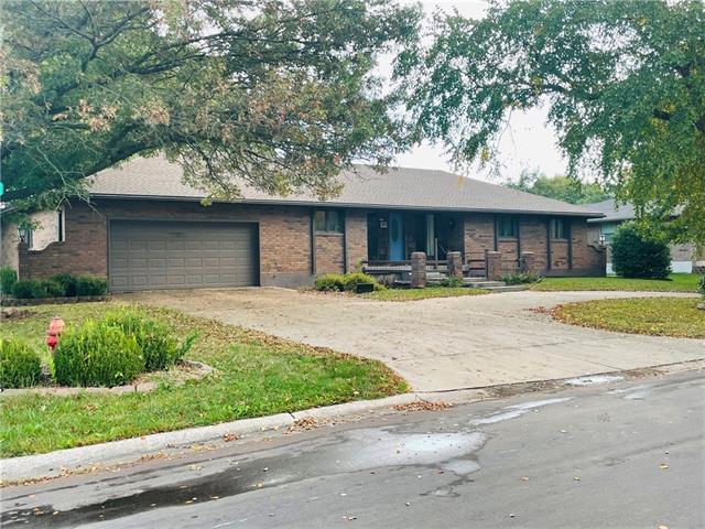 305 E Frazier Street Property Photo