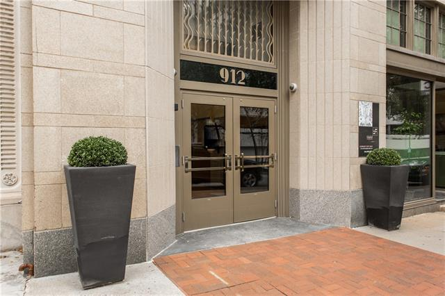 912 Baltimore Avenue Property Photo