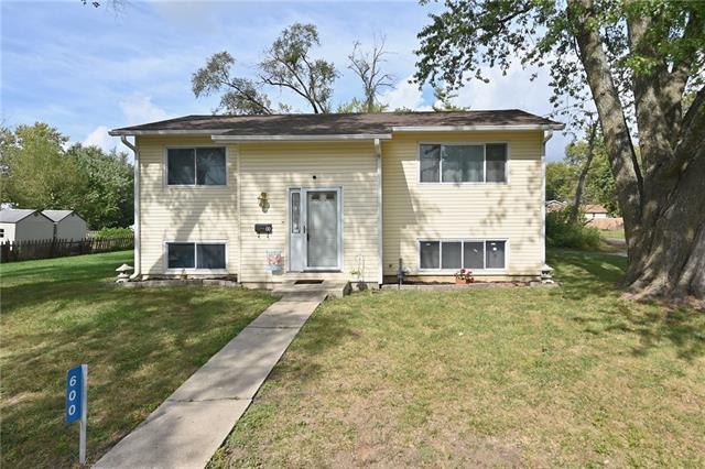 600 W Walnut Street Property Photo