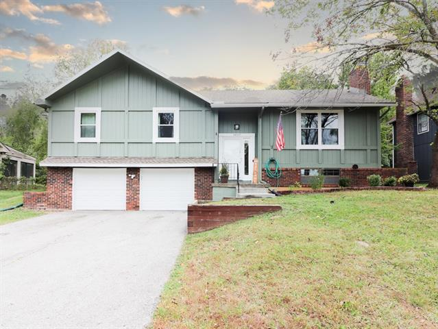 11007 Norton Avenue Property Photo