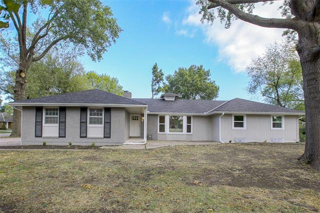 10600 E Bannister Road Property Photo