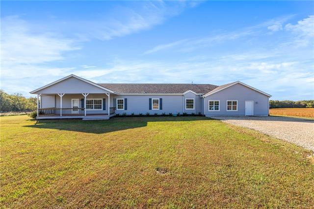 617 E 850 Road Property Photo 1