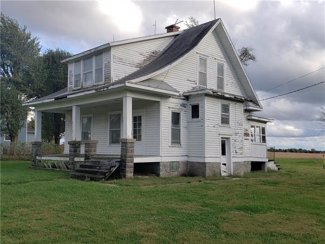209 E Maple Street Property Photo
