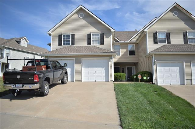 8015 N Elmwood Avenue Property Photo