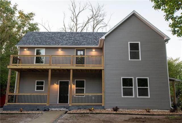 224 E 6th Street Property Photo