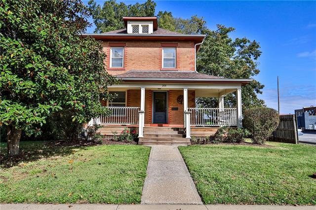 204 W Wall Street Property Photo