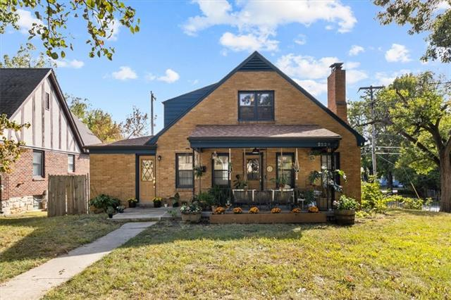 2229 Nebraska Avenue Property Photo