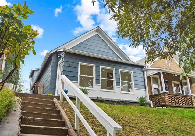 527 Tenny Avenue Property Photo