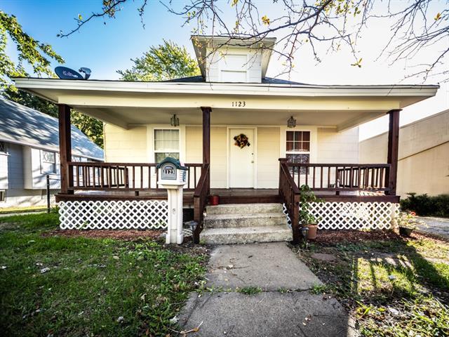 1123 S Noland Road Property Photo