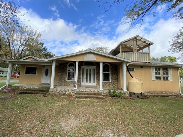 300 E Pine Street Property Photo