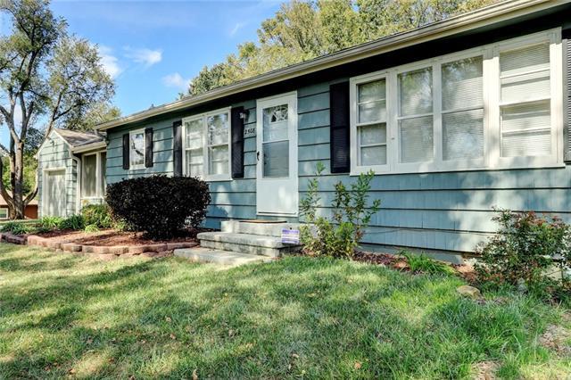 2508 E 126th Street Property Photo