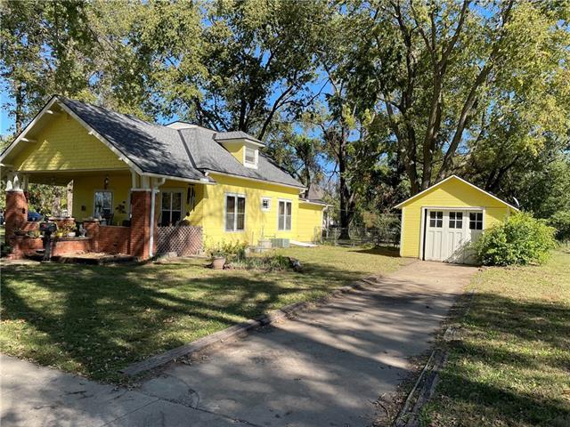 225 N Vine Street Property Photo